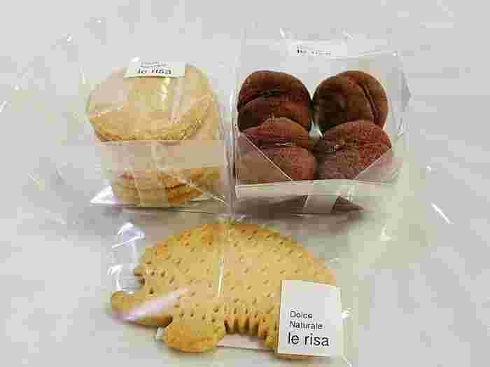 画像上左:『純良バターのクッキー』、右:『バーチ・ディ・ダーマ』、下:『ハリネズミのクッキー』。 他には『アーモンドのクッキー』『黒こしょうのクッキー』『和三盆糖のクッキー』etc.・・・