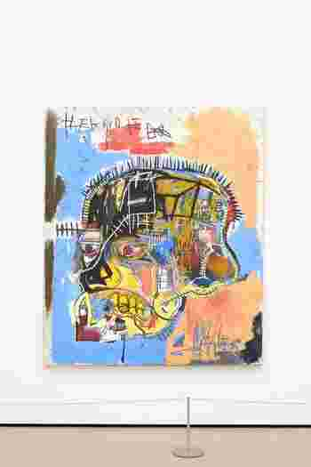 27歳で亡くなった天才ジャン=ミシェル・バスキアの伝記映画。1980年代のNYでアーティスト志望のバスキアが美術評論家のルネに見出され、アンディ・ウォーホルらに認められることで掴んだ成功と孤独。そして、薬物によって短い生涯となった彼の全てが描かれています。
