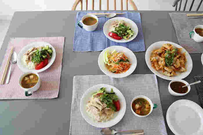いつもは食べるのが専門の方も、母の日くらいは手料理を振る舞って。お母さんの好きな料理が並んだ食卓で、みんなで賑やかに食べる。年齢を重ねるほど、そんなひとときが貴重で愛おしく思えます。