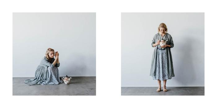 小花柄は可愛くなりすぎてしまいがちですが、スカートと同系色のシックなカラーを合わせることで落ち着いた印象に。 こちらはガーゼ素材でふんわり軽やか。お洋服選びは素材感も大切なポイントです。