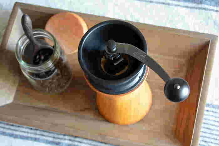 ミル部分は堅牢な鉄製です。コーヒー機器ではおなじみのカリタ社製だから、コーヒーの挽きやすさや丈夫さは安心できそう。