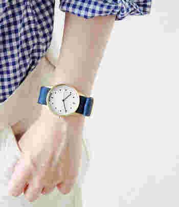 ハイパーグランドはファッションに合わせて時計も着替えて、本当の意味でオシャレを楽しもうという理念のもと誕生しました。シンガポールのウォッチブランドでメンズ、レディースともに人気が集まっています。ハイパーグランドの文字盤はドットとラインがメインで構成されているので、シンプルなカジュアルコーデにもちょっとよそ行きコーデにも似合う汎用性の高さがあります。