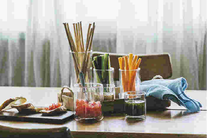 ちょっとしたホームパーティーにもダブルウォールは大活躍です。野菜スティックもこんなふうにセッティングすると、テーブルがより一層華やかになります。