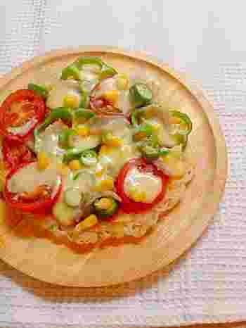 小さい子供でも食べやすいピザの形にアレンジされたそうめんです。カリカリの食感が面白くて、話題性もありますね。