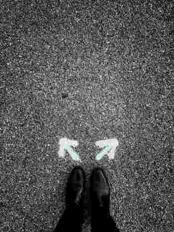 「全部●を付けたい」と思われるでしょうが、もうすこし肩の力を抜いて、取り組んでみませんか。そのこだわりは、解き放ってしまいましょう。  ずっと続けていくからこそ、そのマイルールは、自分に重荷を課してしまうことになりかねないからです。  一度リスト化した習慣も、そもそも「目指したい姿」が変わったり、実際毎日習慣化する中で「この習慣は目的とちょっと違うかも」「なんとなく続けにくい」などしっくりこない感じがあったりするなら、中断して、計画を見直してもOKということにしましょう*