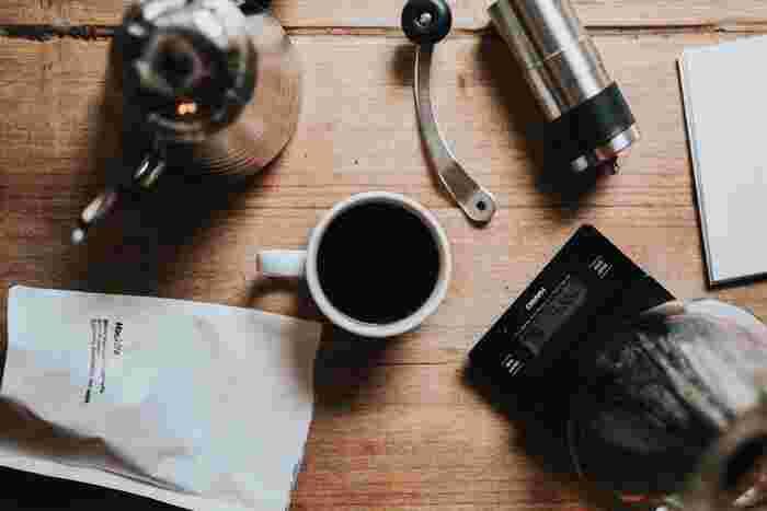基本的にコーヒードリッパーは専用のペーパーを使いますが、最近ではその専用ペーパーなしでもコーヒーが淹れられるペーパーレスドリッパーも販売されています。キャンプなどの外でもゴミが出ないので便利!