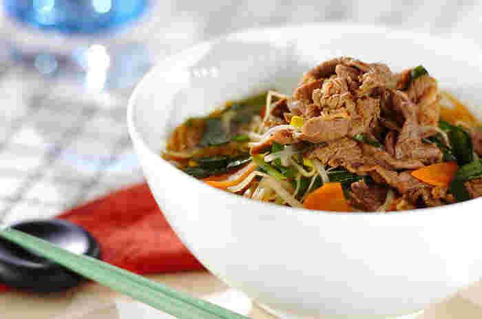クッパのご飯を春雨に代えて、カロリーオフ!ダイエット中の人にもうれしいレシピです♪お肉も使っているので、スタミナがつきそうです。