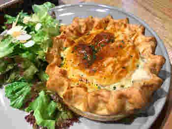 ランチにぴったりの食事系パイも充実していておすすめ。ランチにパイというのはなかなか珍しいチョイスで新鮮かもしれませんね。