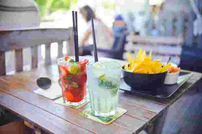 アルコールを入れれば、カクテルもつくれるフルーツビネガー。飲むだけではなく、料理にも使えるのは嬉しいですね。 色んなフルーツや組合せで、自分なりのオリジナルレシピでつくってみてくださいね!!
