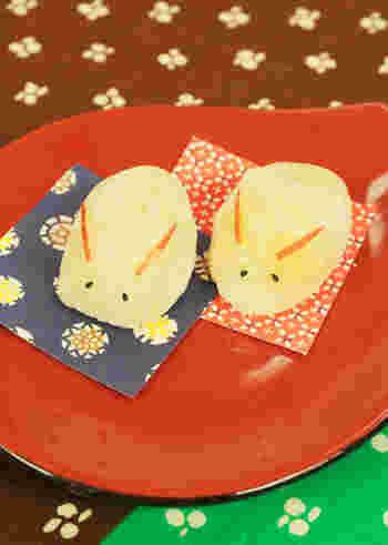 こちらは月がキレイな秋にぴったりのお月見まんじゅうのレシピ。さつまいものほか、秋フルーツ、りんごを使って作ります。おまんじゅうの生地は電子レンジでお手軽に作れますよ♪かわいらしいウサギの形に仕上げれば、お子様も喜ぶおやつの出来上がりです。