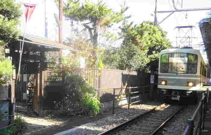 江ノ電「和田塚」駅の目の前にある「無心庵」。駅近で分かりやすいので、迷わずにたどり着ける甘味処です。