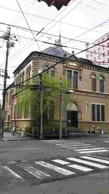 盛岡は、詩人・石川啄木と童話作家・宮沢賢治が、学生時代の10年間を過ごした場所。  この「もりおか啄木・賢治青春館」はその名のとおり、二人の青春時代を紐解いて紹介する施設です。入館無料なのが嬉しいですね。