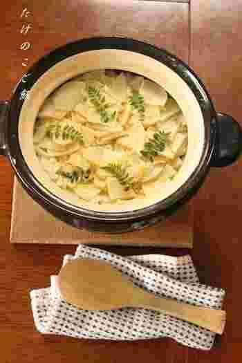 しゃきっとした食感と春の香りを楽しむ「たけのこご飯」。土鍋の遠赤外線効果でお米もふっくら仕上がります。
