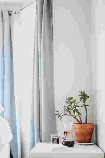 心地良いお部屋をキープするには家事や掃除も大切だから、フットワークは軽くありたい。 窓からしっかり明かりを取り入れて、明るいお部屋で過ごすことで気持ちも前向きに。