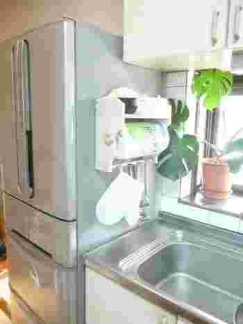 味気ない家具が大変身!「冷蔵庫リメイク」でキッチンを自分好みの空間に