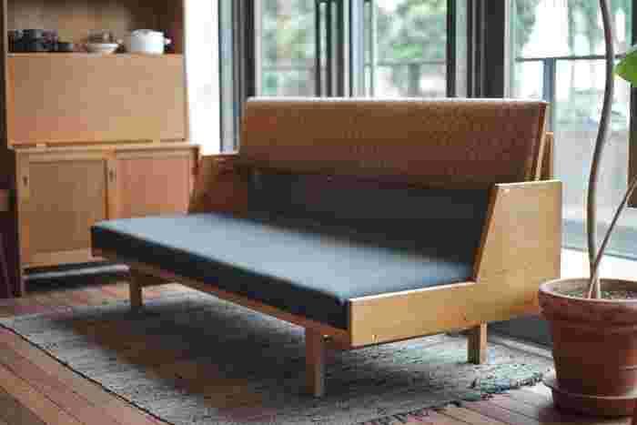上田にある haluta AndelLund(ハルタアンデルゥン)は素敵な北欧ビンテージ家具が並んでいます。 その中には、ハンス・J・ウェグナーの名作「デイベッド」×ミナ ペルホネンが!