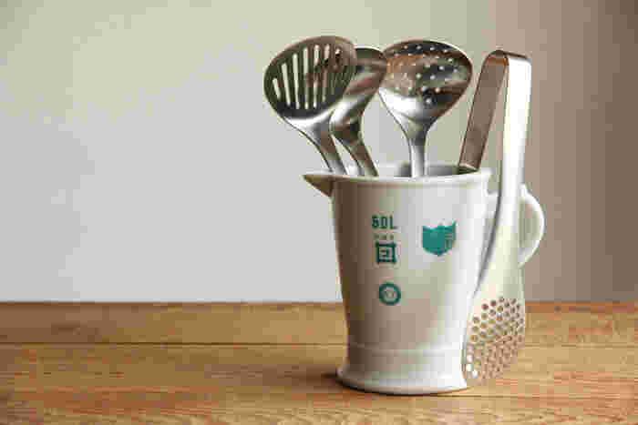 丈夫で扱いやすい18-8ステンレスを使用。ツヤ感抑え目のマットなステンレス素材に、ムダのないスタイリッシュなデザインがキッチンに映えます。