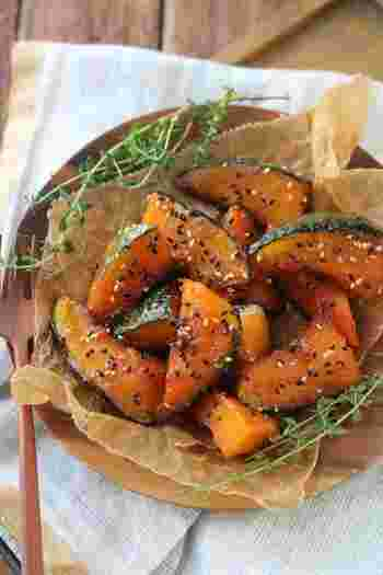 β-カロテンやビタミンB、ビタミンE、カルシウムをバランス良く含む「かぼちゃ」の大学芋風。甘辛なタレとよく絡んだホクホクのかぼちゃは、ごはんともぴったり。