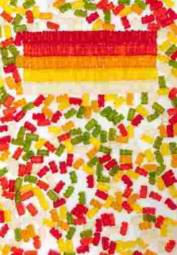 特にお菓子のラインナップは魅力的!おなじみのお菓子たちから見たこともない海外のカラフルなお菓子が勢ぞろい。 あれもこれもと、ついつい手が伸びてしまいます。