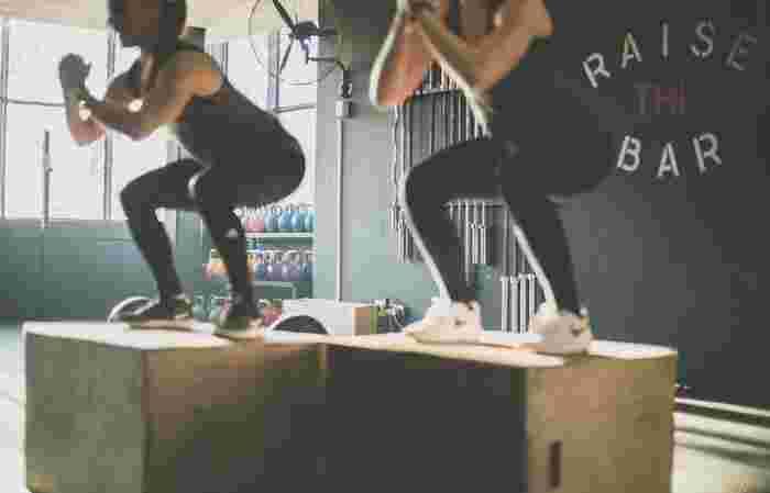 また、ジムでトレーニングをしたり、ランニングをしたりといった運動を行うのはもちろんGOODですが、そんな激しい運動習慣はなかなか長くは続けづらいもの。三日坊主になってしまったり、重たい腰が上がらず、結局すぐに辞めてしまうという方も多いのではないでしょうか。