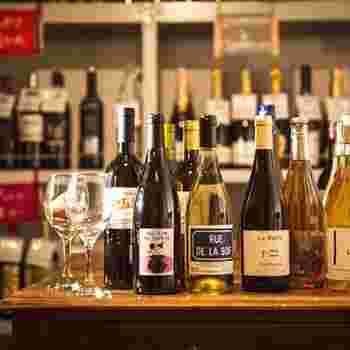 ランチにはスープとサラダとドリンクがついて、なんとソムリエ厳選のワインを選ぶことができます!