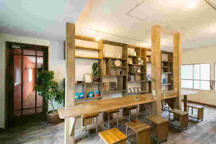 カフェのようにおしゃれでこだわりのある空間は、いろんな人たちに助けられながらDIYによって作られました。みんなの想いがひとつに集まる場所だからこそ、独特のあたたかさを感じるのかもしれません。