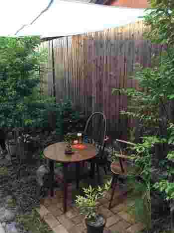 テーブル席、カウンター席の他、テラス席もあります。町屋の庭でランチ、なんていうのも素敵ですね。