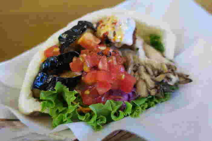 トルコ料理の一つであるファラフェル、100%ヴィーガンであるBallonのファラフェルは野菜がたっぷり!手軽に食べられるヴィーガンフードとしてもおすすめ◎