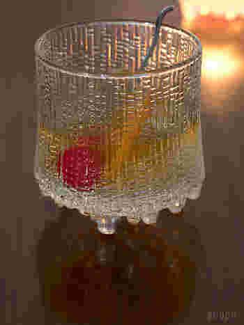 氷が解けていくような独自のフォルムはどんな飲み物でも気分を上げてくれます。ワインはもちろん、ジュースや冷やしたお茶をピッチャーに入れてサーブしてもおしゃれ感UP。