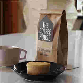 墨田区にあるコーヒー専門店のデカフェコーヒーです。スイスウォータープロセスによりカフェインを除去しつつ、美味しさの成分を補完されています。注文を受けてから焙煎し、出荷されるので香りも抜群です。