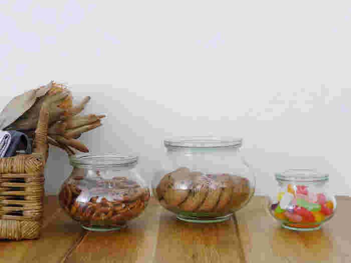 意外と悩む【お菓子】の定位置。上手なストック&収納法