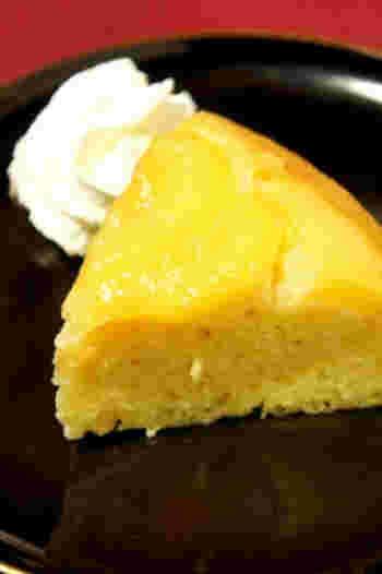 炊飯器、ホットケーキミックス、桃缶…簡単な要素が3つそろったアップサイドダウンケーキ。作りたくなったらすぐ作れるスイーツとして、覚えておくと便利そう。