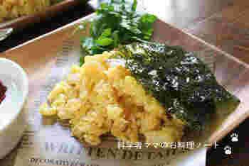 卵に完全に火を通さず、やわらかく仕上げるのが美味しく作るコツです。韓国のりで風味よく。たっぷり食べたくなる優しいお味です。