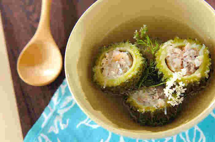夏が旬のゴーヤを使ったベトナム風スープは、肉タネを詰めてボリュームアップ。独特の苦みがクセになります。冷やしても◎