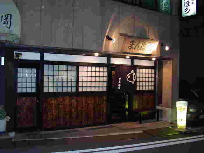 浅草駅から歩いて2~3分の隅田川沿いにある「まんぼう」は、眺めの良いお店でもんじゃを食べたい方におすすめです。