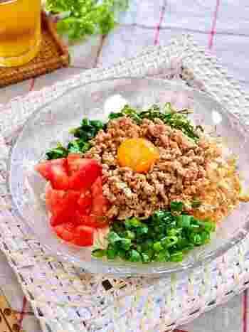 彩りきれいな台湾風のまぜそうめんです。 ひき肉の味付けに焼き肉のタレを使うことで、簡単においしく作れます。豆板醤でお好みの辛さに調整して。栄養・スタミナ満点なので、お疲れ気味の方にもおすすめの一品です。