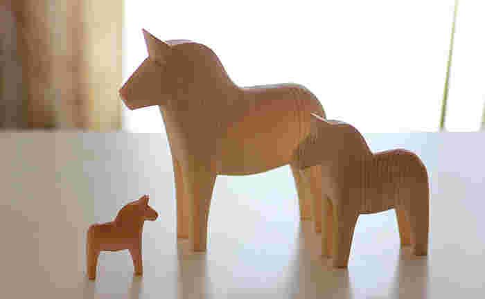 サイズはSMLの3サイズ。小さなお馬さんをたくさん並べても可愛いですし、3サイズ並べても家族みたいでいいですね。