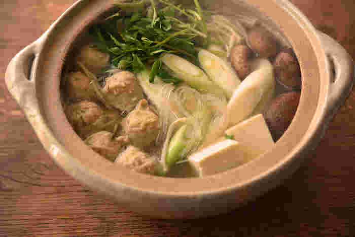 【連載】冨田ただすけさんの「旬の献立」  Vol.3-寒き夜は『鶏だんご鍋』を囲み、春を待つ