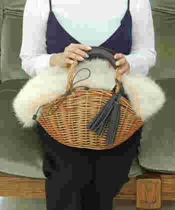 エコファー部分が取り外し可能なかごバッグは、1年中使えて、1つあると重宝します。