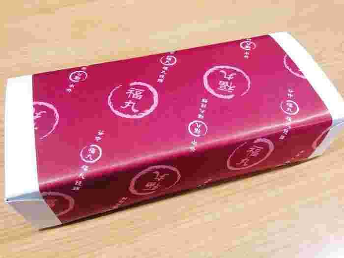 箱に入れてもらうこともできるので、シーンに合わせて選べます。谷中名物のおまんじゅうは、世代を問わず人気の手土産です。
