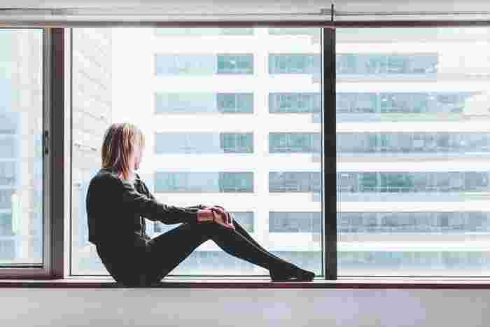 心のモヤモヤはホルモンバランスやストレスや過労もありますが、日常で発生するモヤモヤもたくさんあります。それは自分らしさを表現できていない自己肯定感の低さからきています。直感でなんかイヤだ、行きたくないと思ったお誘いは思い切って断りましょう。本来の自分が違和感を感じているのです。本来の自分ならとる行動をしてみましょう。その時生じたモヤモヤは消えるはずです。女性が感じる直感はほぼ当たるものなのです。