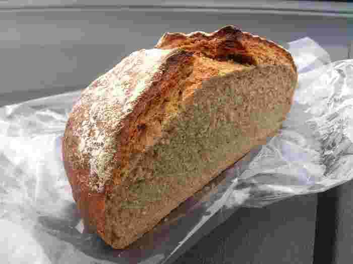 パン・ド・キュイソンはハード系のパンがメイン。サクッとした食感の食べ応えのあるパンは病みつきになります。