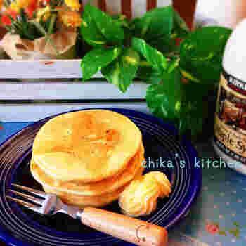 お料理に使った残りのお豆腐があったら、朝食のパンケーキに入れちゃいましょう。豆腐入りのパンケーキは、ベーコンやタマゴとあわせてもおいしいですよ。