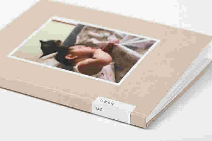 大好きな家族の日々の記録にもBONは最適。こちらは子供と猫の日常風景を集めた作品集です。