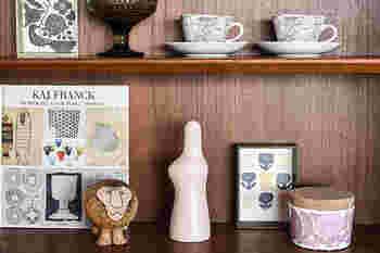 花瓶自体のデザイン性が高いので、花を飾らなくてもオブジェとして楽しむことができます。北欧雑貨との相性もバッチリ。