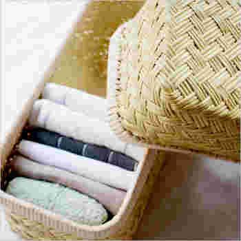 「篠竹」は鈴竹とも呼ばれ、岩手県の山間部に自生する熊笹に似た細い竹のこと。岩手の篠竹でできたかごは、蕎麦ざる、行李、台所用品など日本全国に広く供給されてきました。