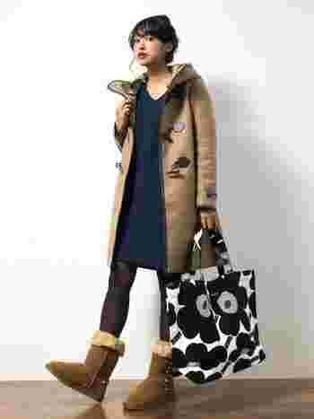 日本限定のUNIKKO(ウニッコ)のトートバッグは、冬のコーデを華やかにしてくれます。存在感抜群で、使っていても楽しくなります♪