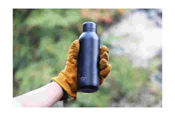 ドリンクウェアブランド「RIVERS(リバーズ)」で人気のステンレスボトル「フラスカー」。その後継機種として開発されたのがこちらの、より高い性能と使い勝手が魅力の軽量ステンレスボトル「ステム」です。