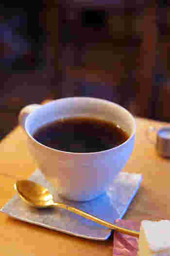 コーヒーの味はバランスの良い酸味と甘みが特徴で、「マンデリン」がいちばん濃い味わいです。そして「ブラジル」「ガマテラ」の順番で味を濃い目から浅めに調節出来るんですよ。  福岡で美味しいケーキをコーヒーと一緒に楽しみたい時には「abeki(アベキ)」がおすすめです。