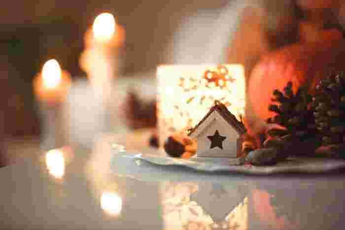 心温まる素敵なスウェーデンのクリスマスをご紹介しました。キャンドルやお食事などは、日本にいる私たちの生活にも取り入れることができそうですね。スウェーデンのクリスマスの過ごし方を参考に、今年はいつもと一味違ったクリスマスを過ごしませんか?